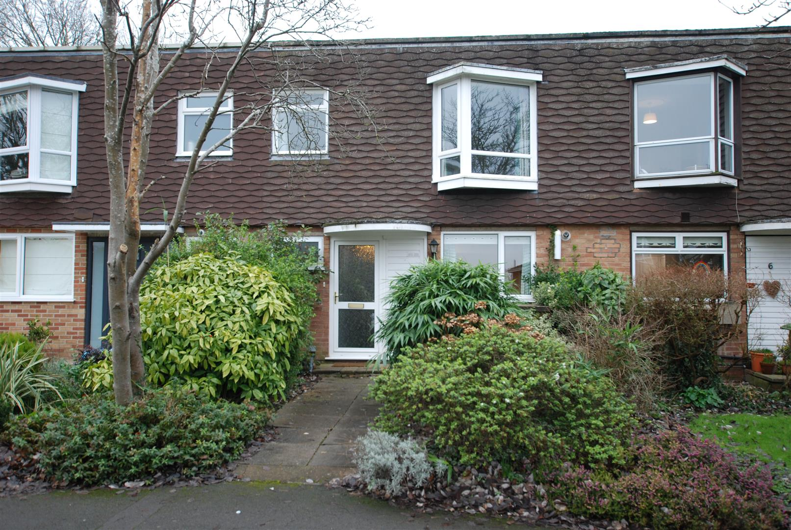 - 2 Bed House - Detached